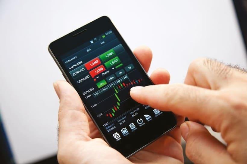 Плюсы и минусы мобильной торговли на Форекс